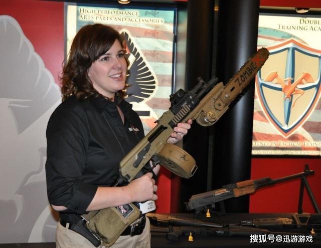生死狙击游戏粉丝喷漆怎么 最奇葩枪械改造:AK47变电锯!生死狙击2玩家看了想拿来打僵尸!